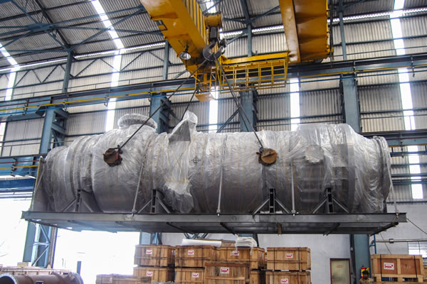 Packing and despatch of graphite equipment.